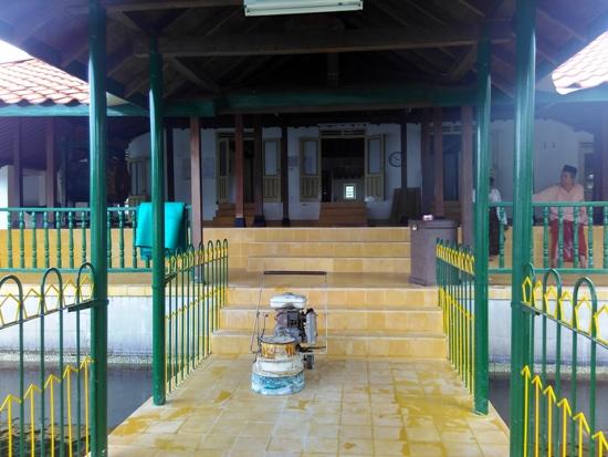 masjid-ploso-kuning