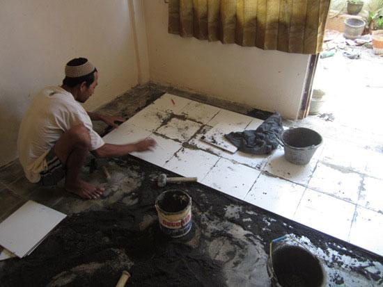 pasang keramik